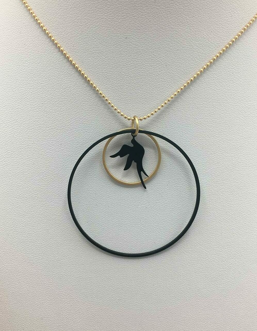 Wolfkat ketting cirkel rondje vogel