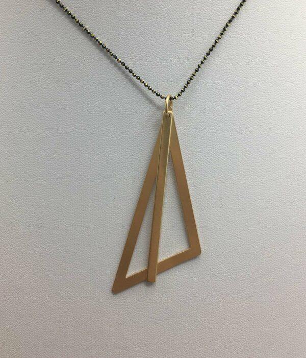 wolfkat ketting geometrics driehoek goud staafje goud