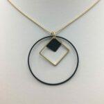 wolfkat kettingen geometrics cirkel vierkant vierkantje zwart