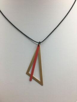 wolfkat kettingen geometrics driehoek goud staafje rood