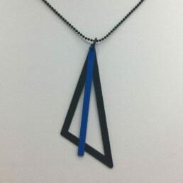 wolfkat kettingen geometrics driehoek zwart staafje blauw