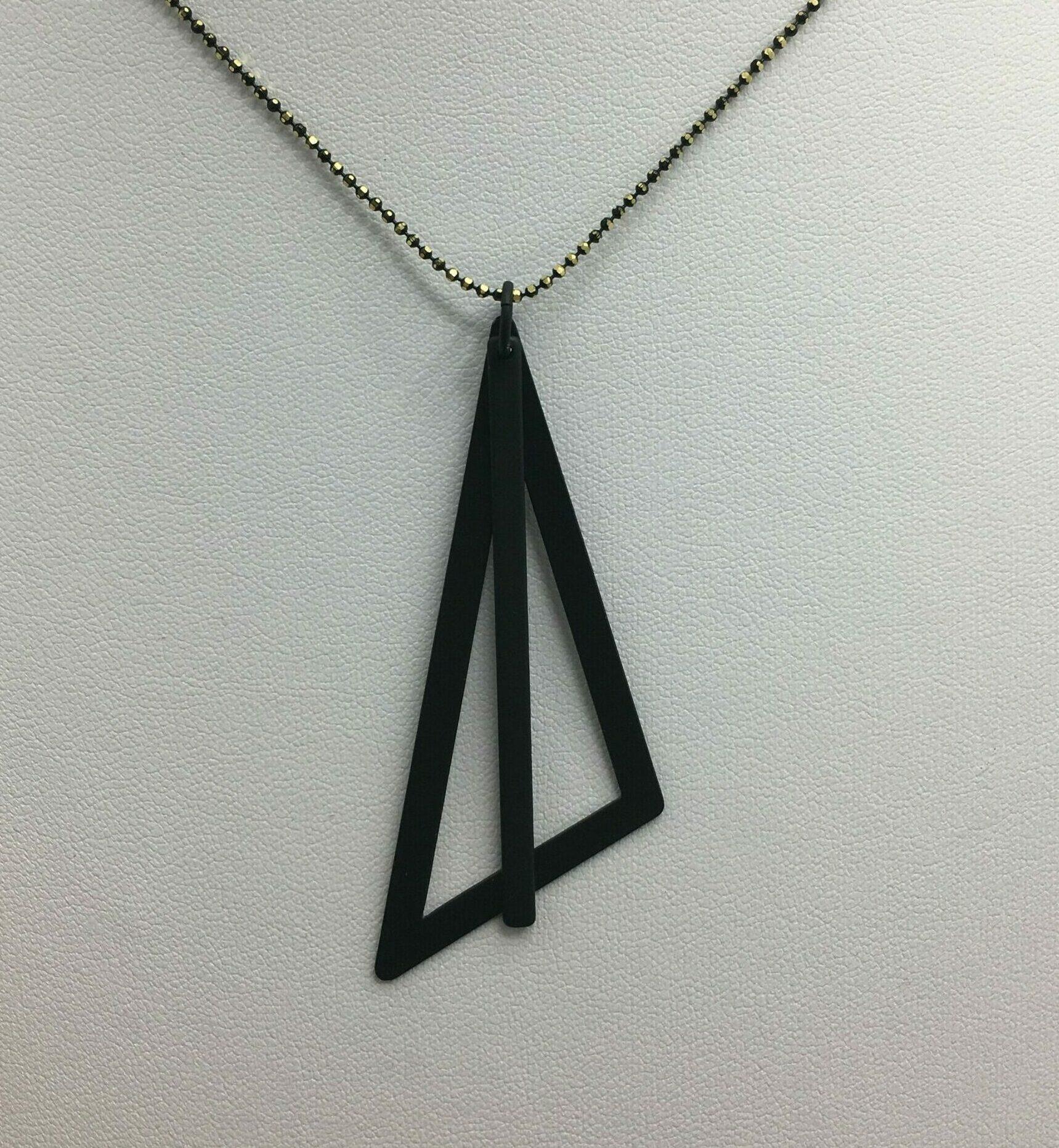 wolfkat kettingen geometrics driehoek zwart staafje zwart