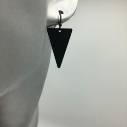 wolfkat oorbellen geometrics driehoeken frosted zwart