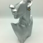 wolfkat oorbellen geometrics vierkantjes dubbel vierkantje goud zwart