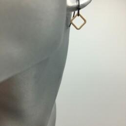 wolfkat oorbellen geometrics figures+ vierkantje mini goud