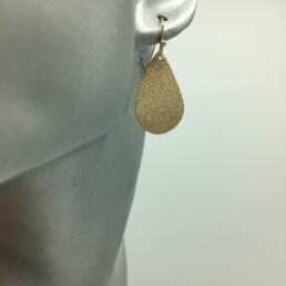 wolfkat oorbellen geometrics rondjes ovalen druppel frosted goud