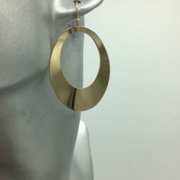 wolfkat oorbellen geometrics rondjes ovalen ovaal glanzend goud