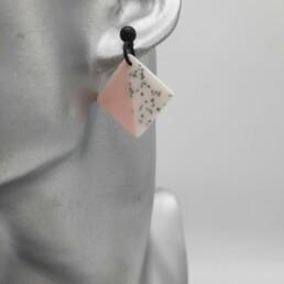 Wolfkat oorbellen geometrics vierkantjes candy roze