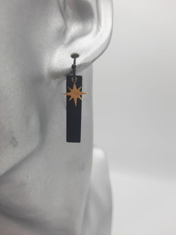 wolfkat oorbellen geometrics staafjes staafje breed zwart met ster