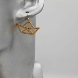 wolfkat oorbellen she wolf bootje geometrisch goud